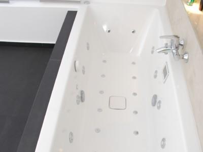 Badezimmer nach Sanierung einer Eigentumswohnung